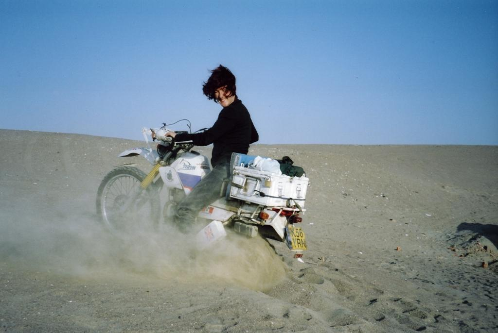 Lois Pryce, riding in a Peruvian desert