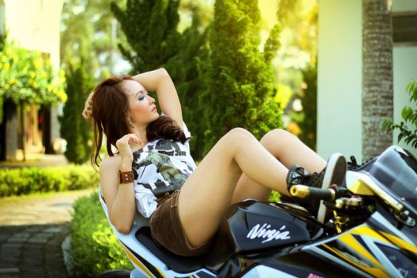 women and motorcycling
