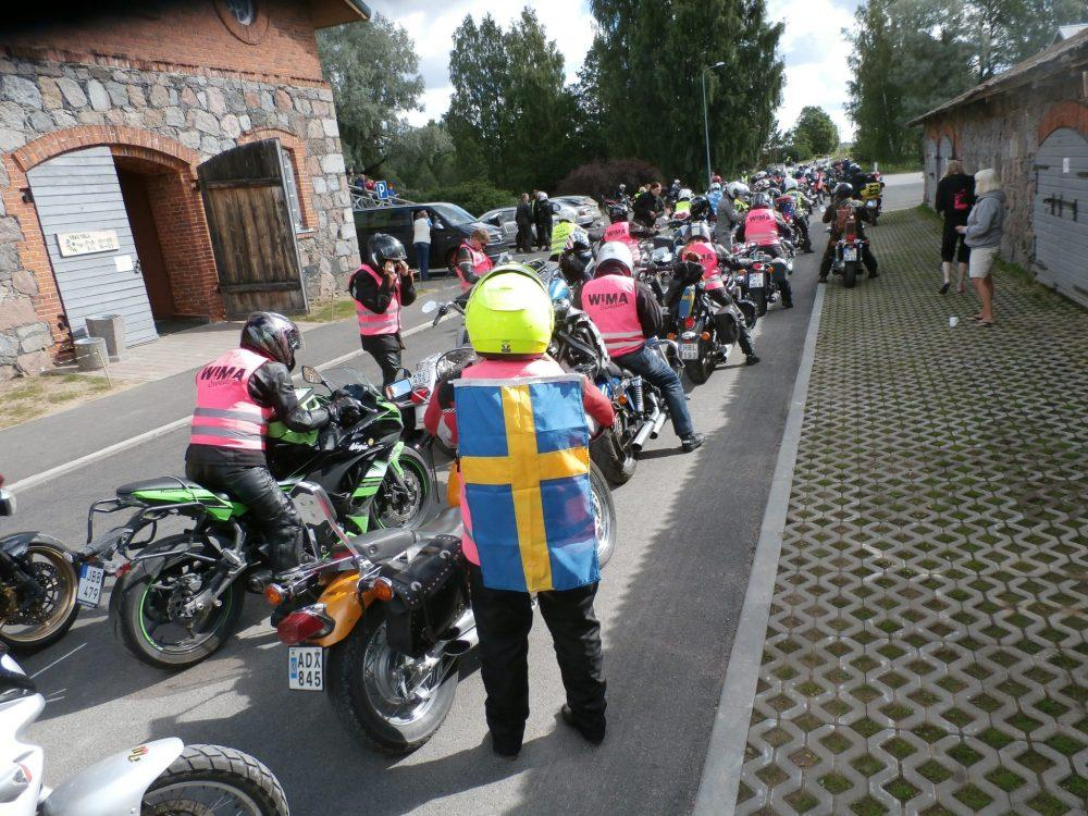 Uniting Women Riders: WIMA World www.womenadvrider.com